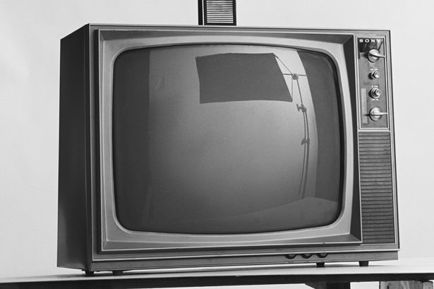 how the monochrome crt tv works tech2day